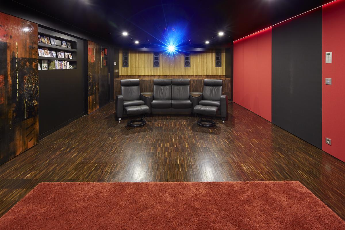 salle de cin ma priv haut de gamme voir et mouvoir. Black Bedroom Furniture Sets. Home Design Ideas